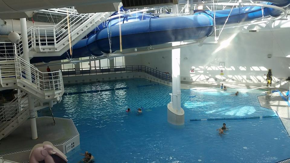 Wavelengths leisure centre mummys gin fund - Swimming pools with waterslides in london ...
